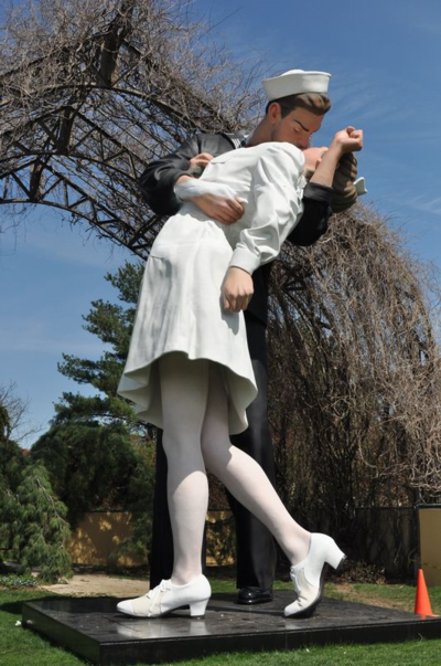 Grounds for Sculpture Unconditional Surrender DSC_0017